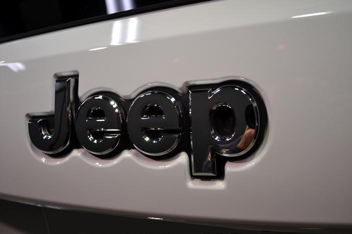 ジープ712